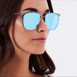 Quay Australia Accessories - 🆕 Quay blue reflective sunglasses